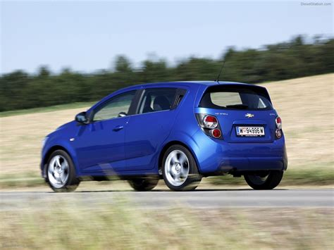 Chevrolet Aveo Hatchback 2014  Reviews, Prices, Ratings