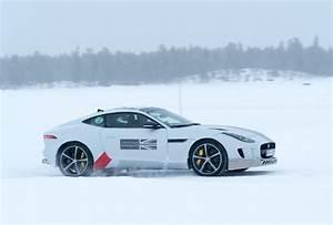 Jaguar Land Rover : jaguar land rover ice academy the coolest vacation ever 95 octane ~ Maxctalentgroup.com Avis de Voitures