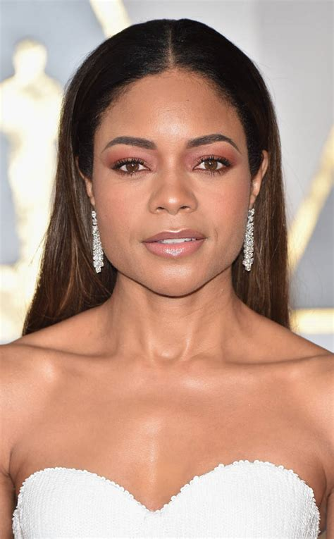 WHO WORE WHAT?.....89th Annual Academy Awards: Naomie ...