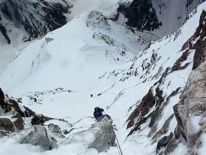 "K2 ""Bottleneck"" 8350 meters - YouTube"