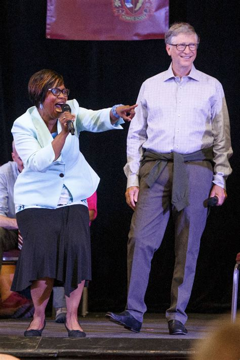 Bill Gates surprises students at Chattanooga's Howard ...
