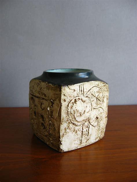 ceramics troika pottery images  pinterest