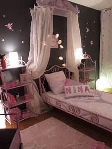 Decoration enfants for Tapis chambre bébé avec nina ricci fleur de fleur