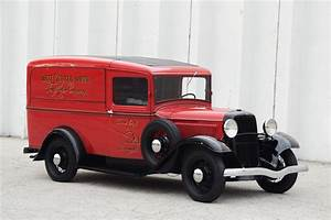 1933 FORD SERIES 46 PANEL DELIVERY