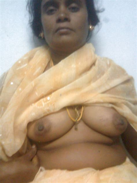 Tamil Aunty Showing Boobs 5 Pics Xhamster