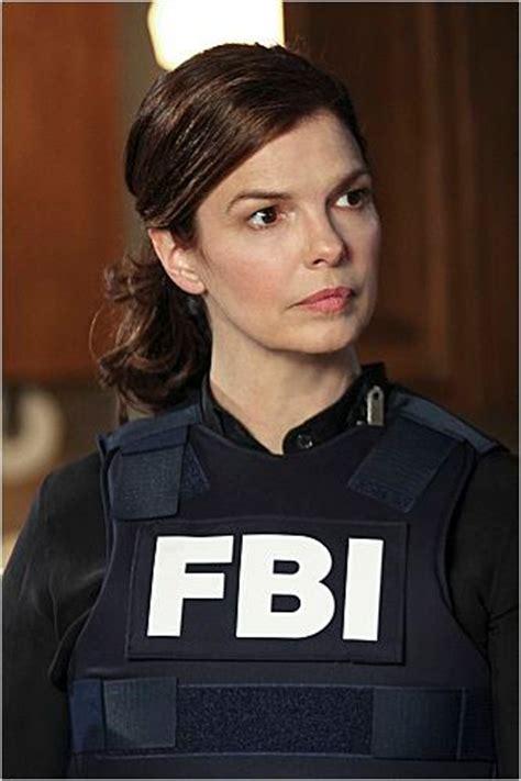 foto de jeanne tripplehorn en la serie mentes criminales