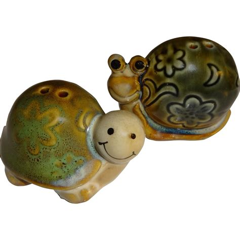 5728 turtle salt and pepper shakers smiling snail turtle salt and pepper shakers sold on