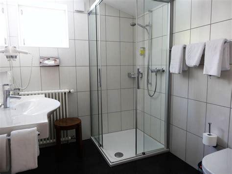 cheap bathroom decorating ideas pictures pictures of comfort room design peenmedia com