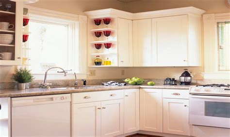 country kitchens  white cabinets small white kitchen
