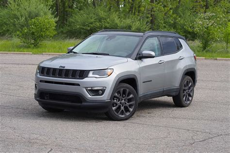 Review Jeep Compass by 2019 Jeep Compass Review Autoguide