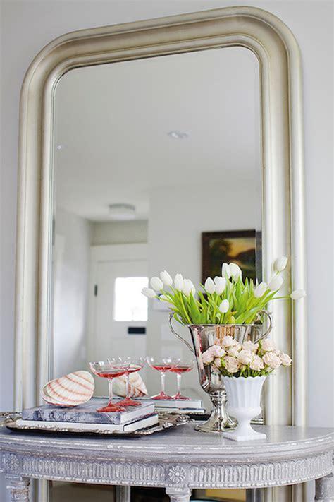 floor mirror behind console table silver vase design ideas