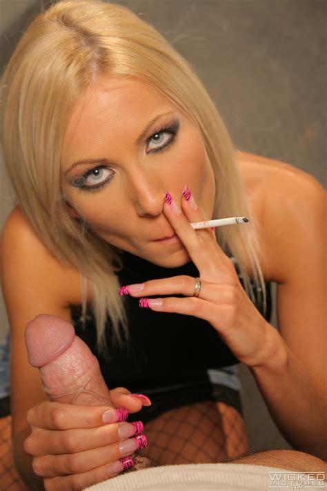Smoking Hot Blonde Is Sucking For Money MILF Fox
