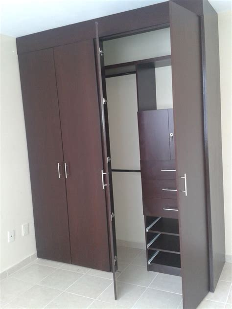 A In The Closet by Closet 12 000 00 En Mercado Libre