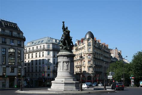 bricorama place de clichy file place de clichy and monument of mar 233 chal moncey 15 july 2006 jpg wikimedia commons