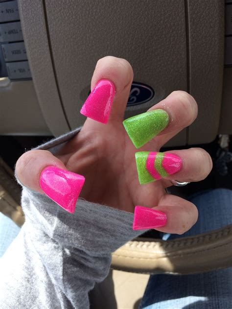 Flare nail I canu0026#39;t get enough ufe0f | Nails | Pinterest | Style Lady and Shape