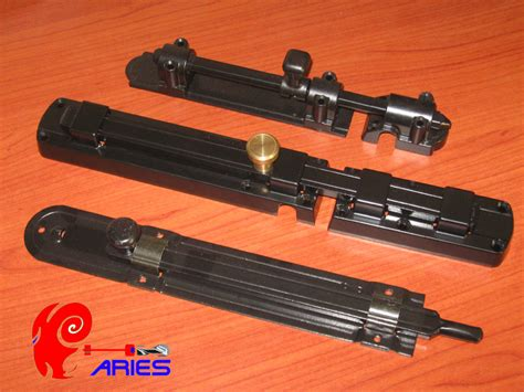 sicurezze per persiane sicurezze per scuri in legno catenacci sbarre e