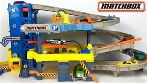 Garage Für 4 Autos : gro es parkhaus f r kleine autos von matchbox autogarage auf 4 etage 4 level garage unboxing ~ Bigdaddyawards.com Haus und Dekorationen