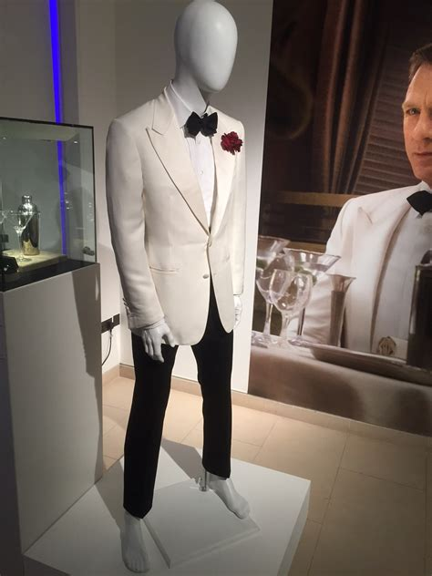 bureau de poste suresnes dinner suit ensemble ford tom 28 images reviews and ramblings richard buckley tom ford bond