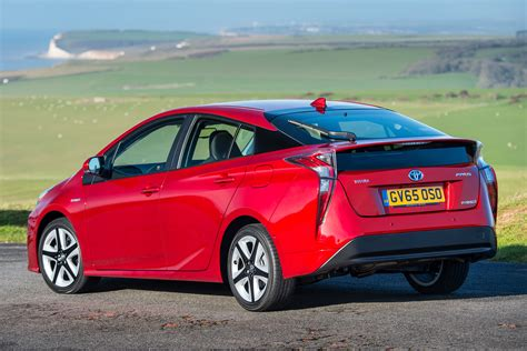 New Hybrid Cars by New Toyota Prius Hybrid Pictures Carbuyer