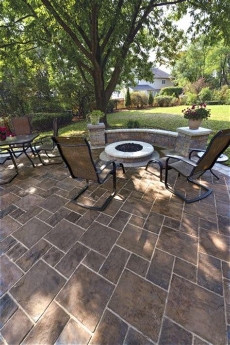 unilock patio designs thornbury patio with pit and pisa2 garden wall photos