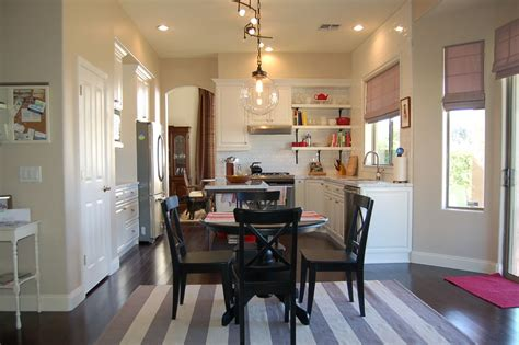 almond wisp paint color wall color behr almond wisp kitchen and master bedroom