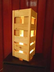 Luminaire Fait Maison : lampe en bois de palette luminaires cr ation bois ~ Melissatoandfro.com Idées de Décoration
