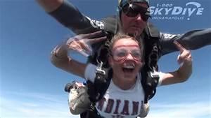 Renae Thomas's Tandem skydive! - YouTube
