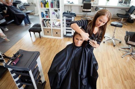 Apjomīgi un stilīgi īsie matu griezumi - Tava Klade