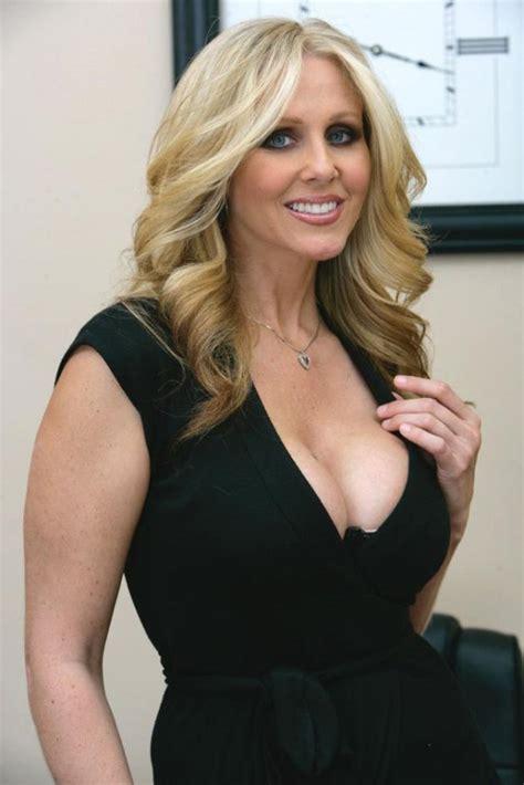 The Hottest Milf Porn Stars Barnorama