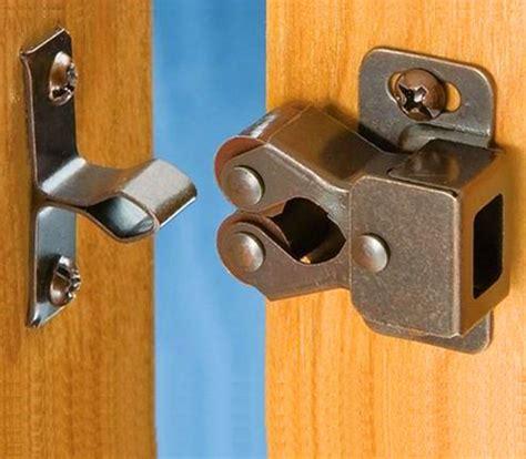 Cupboard Door Latches by 10pcs Roller Bronze Plate Door Latch Wardrobe Catch
