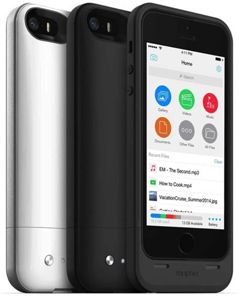 how to get more storage on iphone 5 mophie launches space pack battery with built in