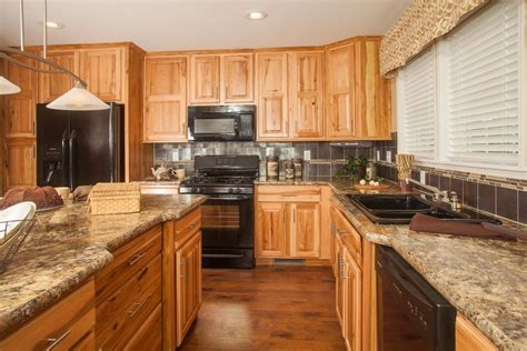 black laminate kitchen cabinets colony homes max de900a deercreek ranch kitchen 4728