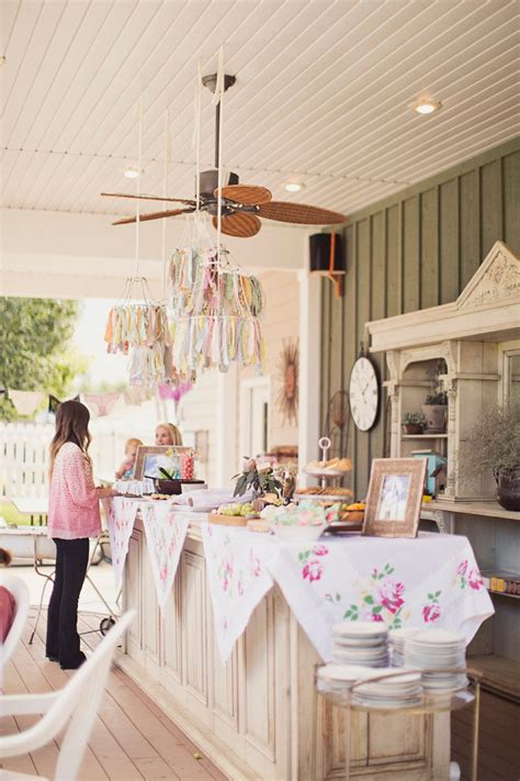 bridal shower 101 hosting etiquette planning - Bridal Shower Ideas