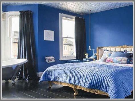 lihat  contoh aplikasi warna biru kamar tidur nuansa