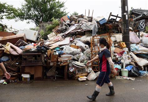 Spēcīgā lietus izraisītajos plūdos Japānā bojā gājuši jau ...