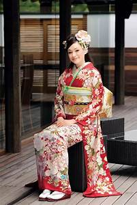 Asia: What is the difference between a Korean hanbok and a ...