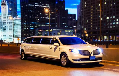 Limousine Rental Chicago by Stretch Limousine Rental In Chicagoland Mercury Limousine