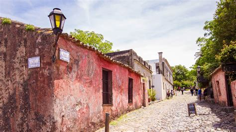 A Day trip to Colonia del Sacramento with Kids - Wandering