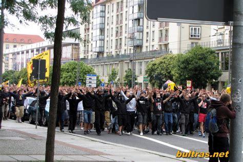 Dynamo dresden vs hansa rostock. Ultras Way: Dynamo Dresden - Hansa Rostock 24.07.11