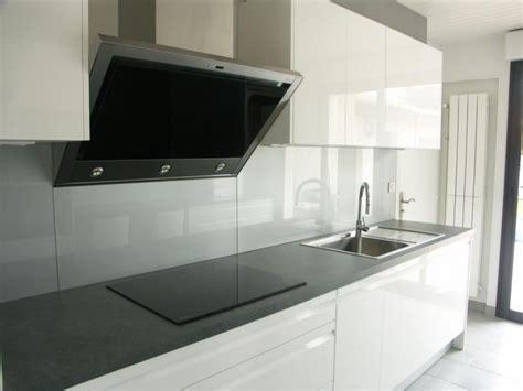 cuisine facade verre agencement intérieur meuble sur mesure près de biarritz