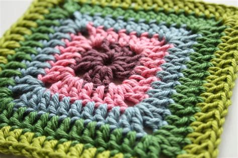 how to crochet square solid granny square