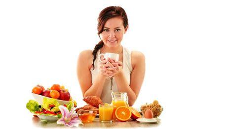 heavy breakfast light dinner controls blood sugar