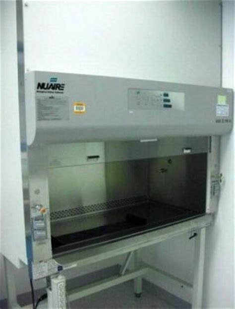 nuaire biological safety cabinet used nuaire nu 435 400 4 foot class ii type b2 biological