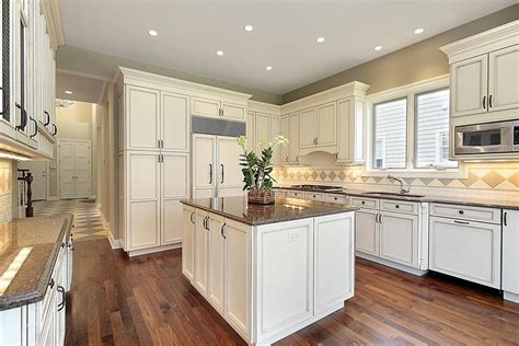 wood cabinets in kitchen gladwyne cabinets chattanooga 8565