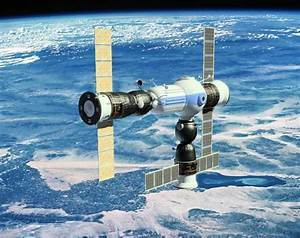 Commercial Space Station-hotel for space tourism ...