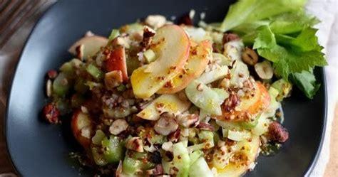 la cuisine du corti salade de c 233 leri branche kasha pommes et noisettes