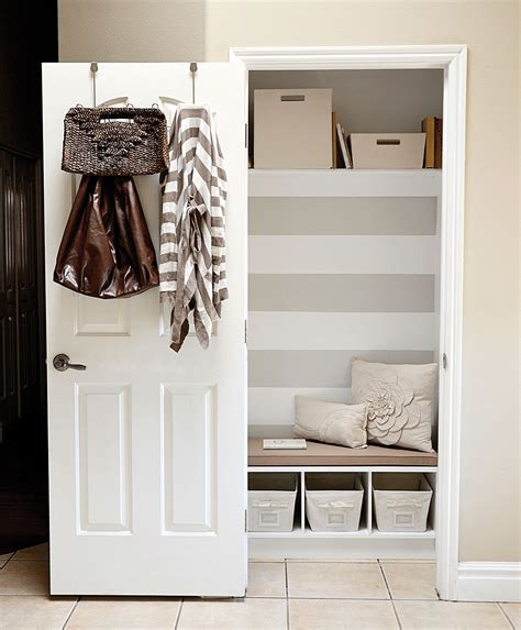 Declutter Tip Fake A Mud Room Chatelainecom