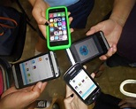Young Cubans interconnecting via smartphone apps that work ...