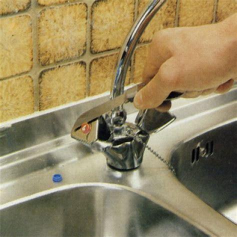 fuite mitigeur cuisine réparer un robinet qui goutte