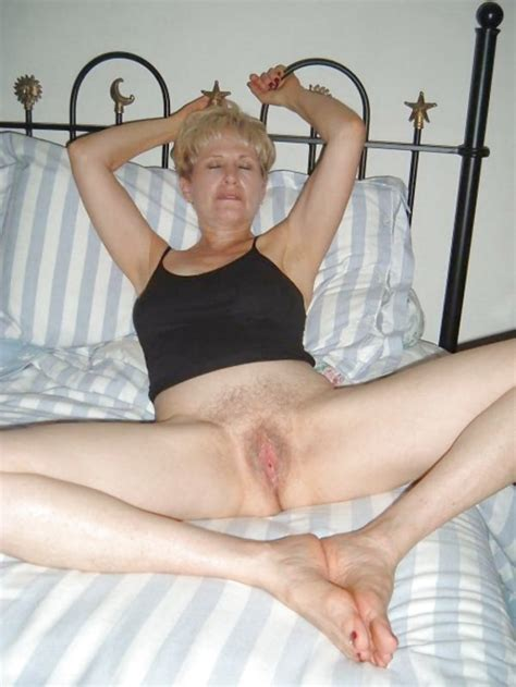Beautiful Bottomless Babes 2 Amateur Milfs By Troc 41